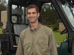 tom-cotton-tractor